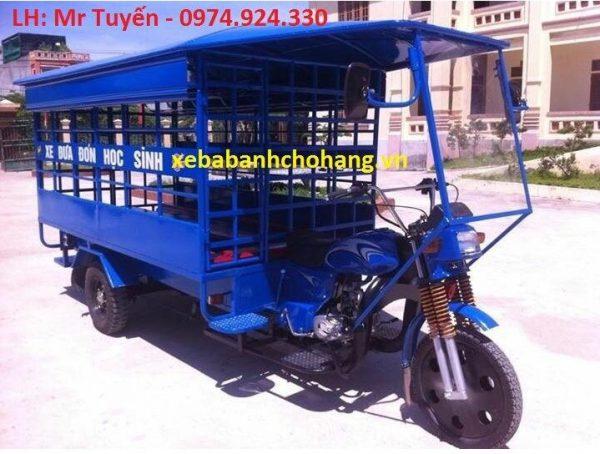 xe ba bánh chở học sinh