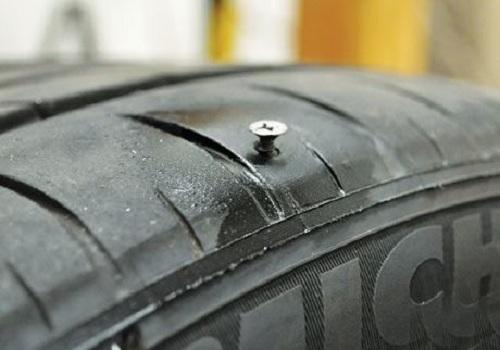 lốp bị đinh
