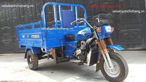 vệ sinh động cơ xe máy trên xe ba bánh