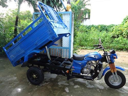 Xe 3 bánh Hoa Lâm có ben giúp đổ hàng hóa dễ hơn