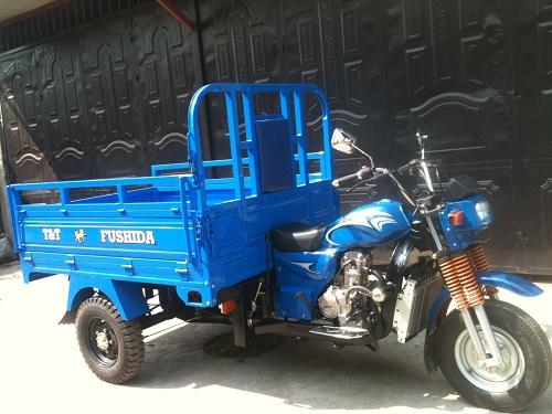 Xe ba gác Hoa Lâm sản xuất với linh kiện Trung Quốc